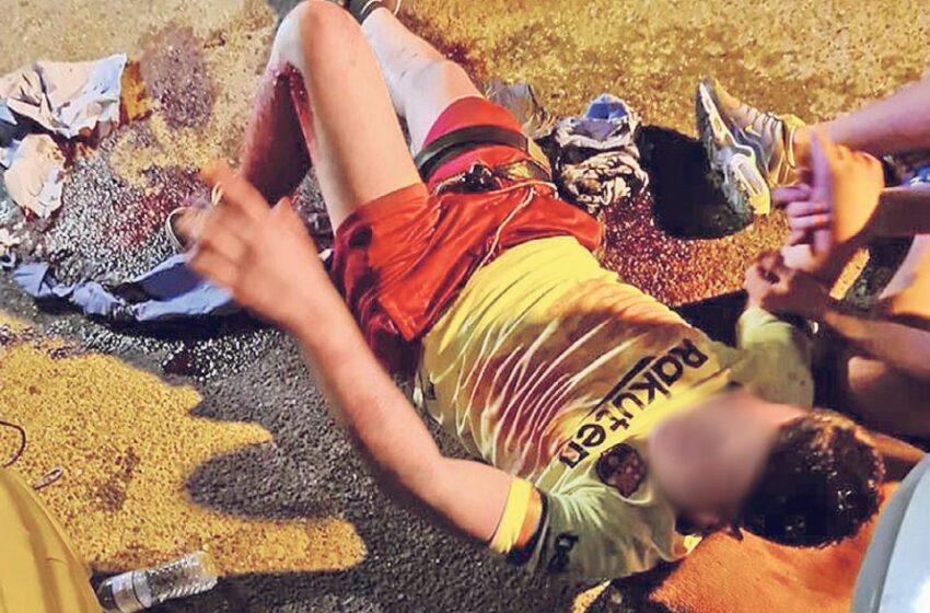 Συμπλοκή μαθητών: Η στιγμή που ο 15χρονος βρίσκεται τραυματισμένος από μαχαιριά (εικόνα)
