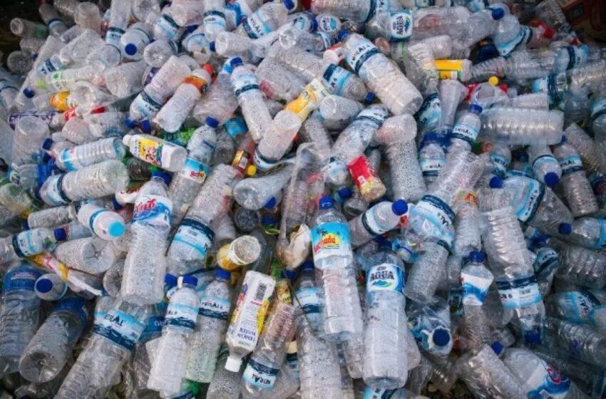 """Πλαστικά μιας χρήσης: Ποια """"εξαφανίζονται"""" το 2021"""