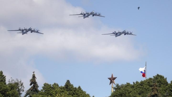 """""""Μάχη"""" Αμερικανών και Ρώσων στον αέρα της Αλάσκας"""