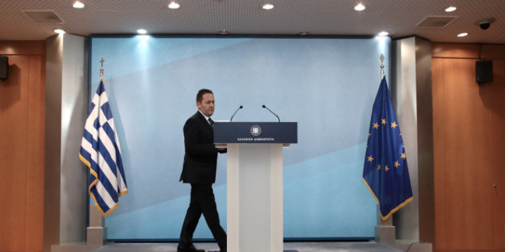 Σε κλοιό ο Πέτσας- Ακόμα και η Μπακογιάννη ζητά να δημοσιοποιηθούν τα ποσά- Ισχυρές πιέσεις από ΣΥΡΙΖΑ-ΚΙΝ.ΑΛ
