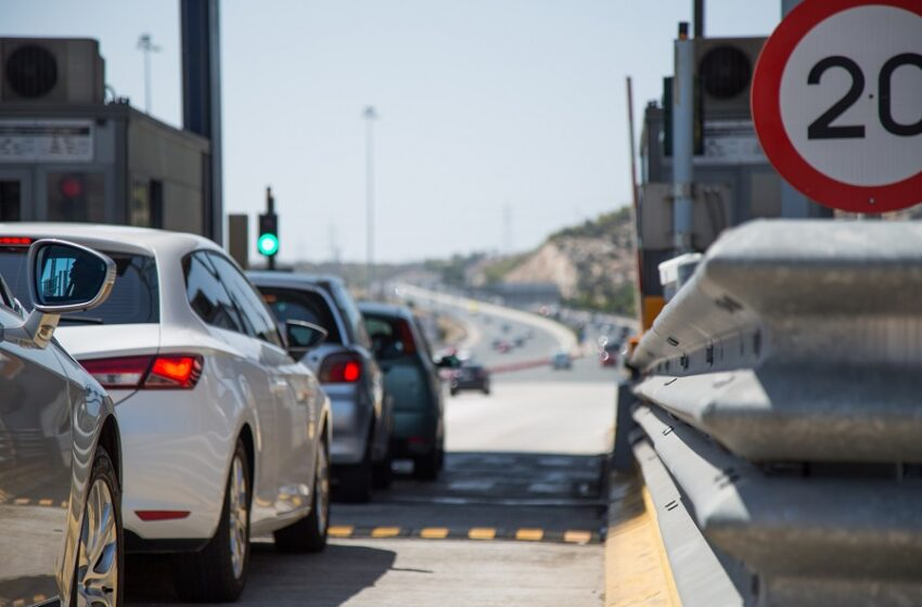 Αττική Οδός: Ακινητοποιημένα τα οχήματα