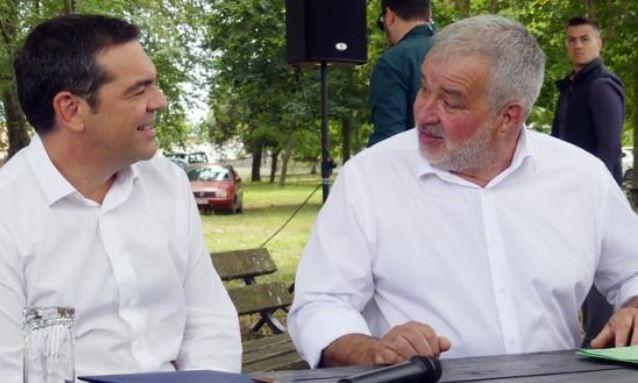 """Τσίπρας: Η κυβέρνηση """"μπουκώνει"""" ανύπαρκτα ΜΜΕ, αλλά δεν δίνει στους ανθρώπους του μόχθου και της παραγωγής"""