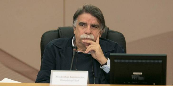 Βατόπουλος: Οποιοδήποτε άνοιγμα θα αυξήσει τα κρούσματα