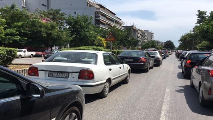 Αυξημένη η κίνηση στους δρόμους προς τις παραλίες