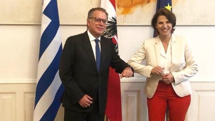 Έντσταντλερ: Η Ελλάδα είναι ιδιαίτερα επιβαρυμένη από το μεταναστευτικό ζήτημα και δεν επιτρέπεται να την αφήσουμε μόνη της