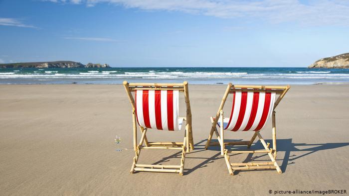 """Handelsblatt: """"Το καλοκαίρι της απογοήτευσης"""" για τον ελληνικό τουρισμό-Στο 20% η πληρότητα των ξενοδοχείων που άνοιξαν"""