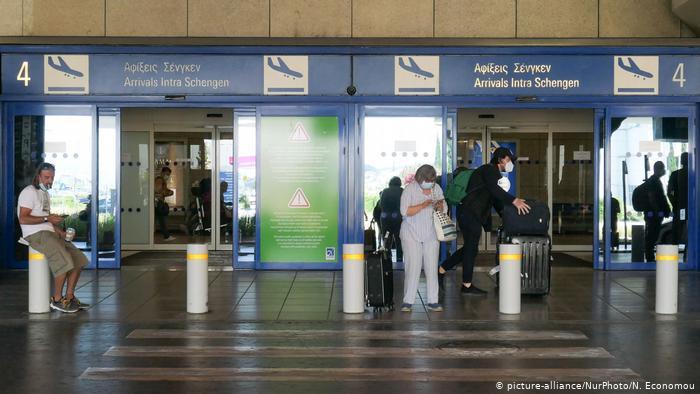 Γερμανικά ΜΜΕ: Οι παραθεριστές φέρνουν κοροναϊό στην Ελλάδα- Δεύτερο κύμα πανδημίας στη Νότια Ευρώπη