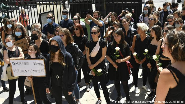 Γαλλία: Γυναικεία οργή για τη νέα κυβέρνηση Μακρόν- Σάλος για τον υπουργό που κατηγορείται για βιασμό