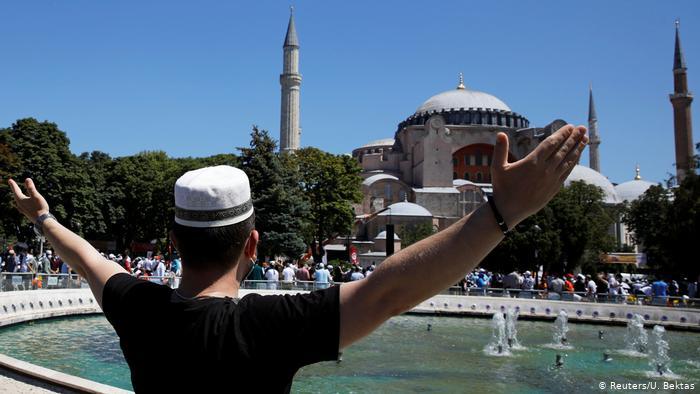 Καθηγητής πανεπιστημίου Μίνστερ: Η μετατροπή της Αγίας Σοφίας σε τέμενος είναι επίδειξη ισχύος του Ερντογάν προς την Δύση και τον Χριστιανισμό