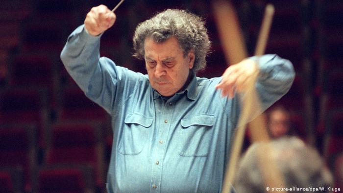 """""""Ο απρόβλεπτος Μίκης""""- Γερμανικά δημοσιεύματα για τα 95α γενέθλια του συνθέτη- Τι λέει για τον Μητσοτάκη"""