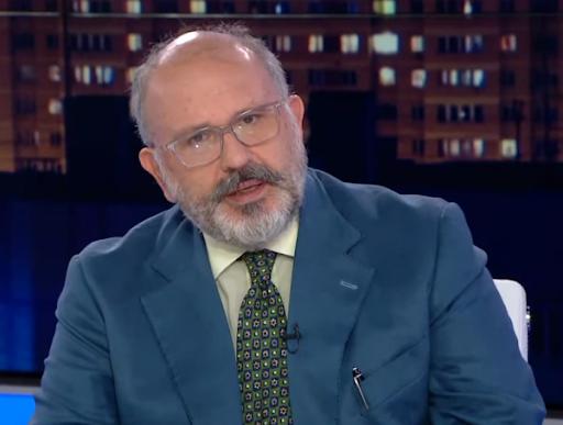 """Ο Νίκος Ξυδάκης, και επισήμως, διευθυντής του ραδιοφωνικού σταθμού """"105,5 Στο Κόκκινο"""""""