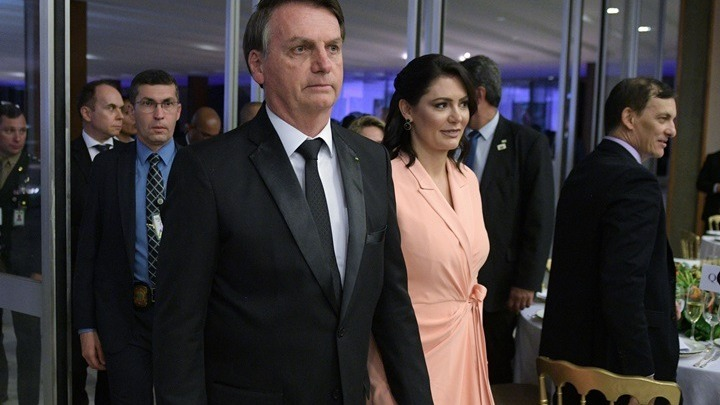 Βραζιλία: Και η σύζυγος Μπολσονάρου με έναν υπουργό θετικοί στον κοροναϊό