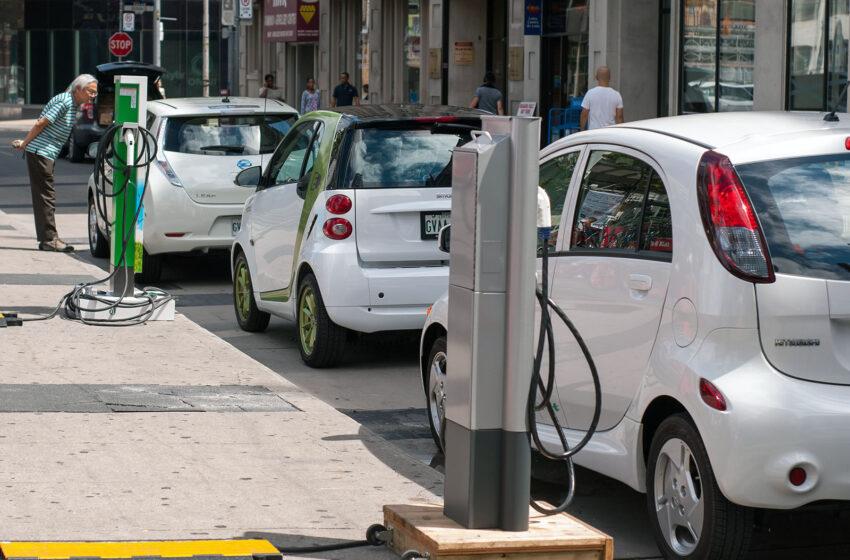 Βελτιωμένα κίνητρα προαναγγέλει το ΥΠΕΝ για τα ηλεκτρικά οχήματα