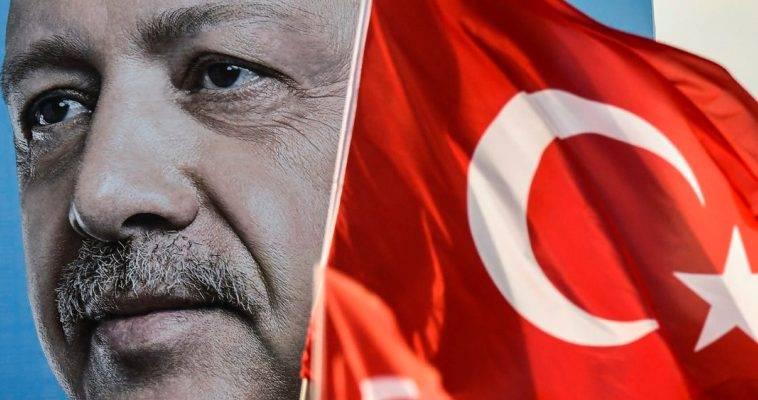 Η Ν.Δ καταγγέλλει στο ΕΛΚ το κόμμα Ερντογάν (AKP) με το οποίο η Μέρκελ (ισχυρότερη ηγέτης του ΕΛΚ) την παροτρύνει να ανοίξει απευθείας διάλογο!!!