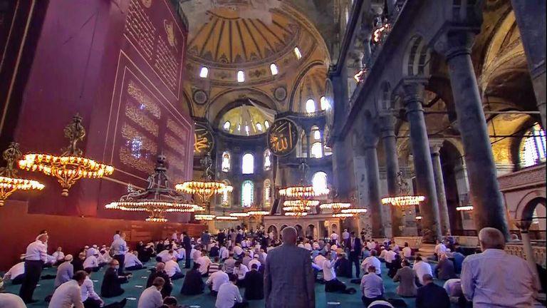 """Διεθνής κατακραυγή: """"Αντί θριάμβου, η μετατροπή της Αγίας Σοφίας γίνεται σύμβολο της αδυναμίας του Ερντογάν"""""""
