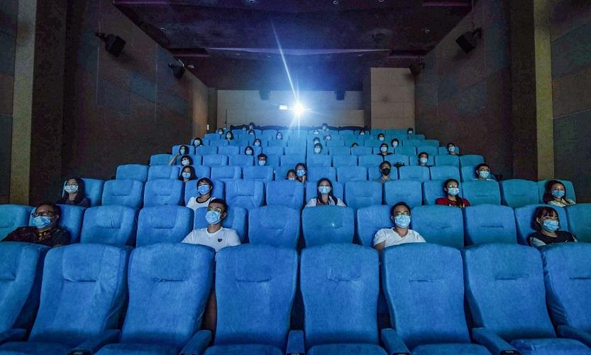 Σινεμά με… αποστάσεις