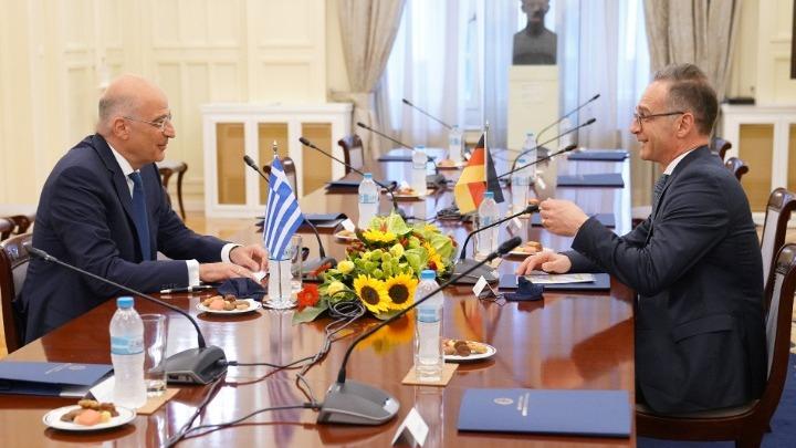 Δένδιας: Διάλογος με την Τουρκία υπό καθεστώς απειλών δεν νοείται (vid)