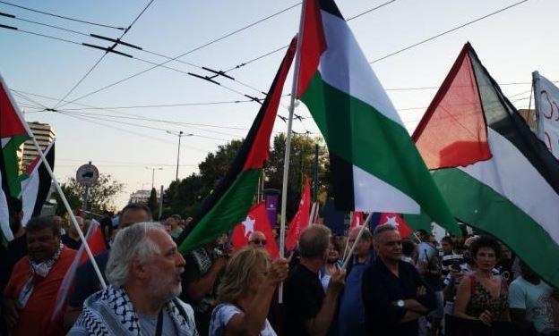 Διαμαρτυρία στην ισραηλινή πρεσβεία από μέλη του ΣΥΡΙΖΑ (Vid)