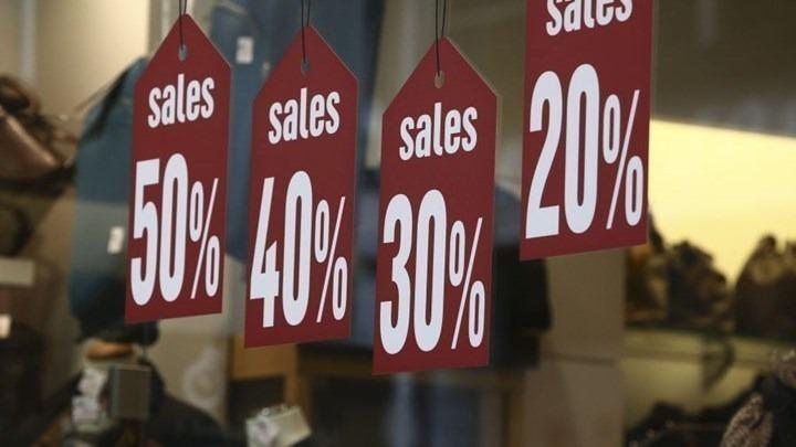 Τη Δευτέρα… εκπτώσεις στα εμπορικά καταστήματα – Τι να προσέξουν οι καταναλωτές