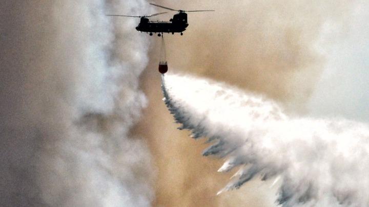 Καλύτερη η εικόνα που παρουσιάζει το μέτωπο της φωτιάς στο Πεταλίδι