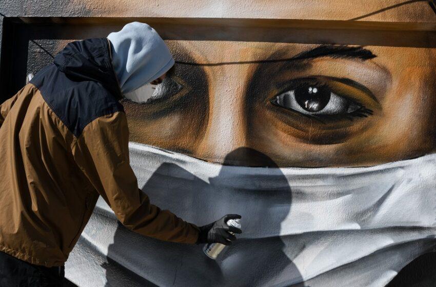 Πέτσας: Αν χρειαστεί θα γίνει υποχρεωτική η μάσκα και σε άλλους χώρους