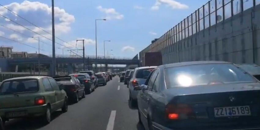 Διακοπή στην κυκλοφορία της Αττικής Οδού λόγω φωτιάς