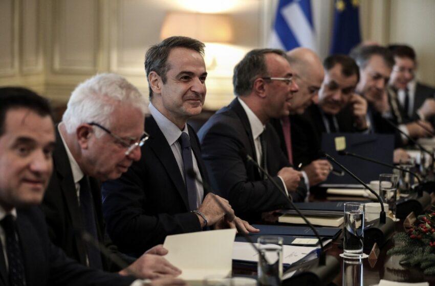 """Πρετεντέρης στα ΝΕΑ: Η κυβέρνηση κινδυνεύει να θυμίζει σε λίγο τις """"Ευτυχισμένες Μέρες"""" του Μπέκετ"""