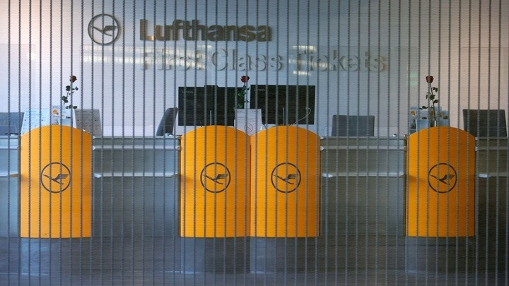 Η Lufthansa σώθηκε αλλά κόβει 1000 θέσεις εργασίας και το 20% των διευθυντών