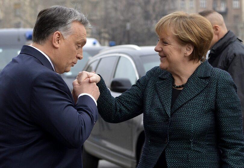 Ουγγρικά μέσα: Πώς έπεισε η Μέρκελ τον Όρμπαν να μην προβάλλει βέτο
