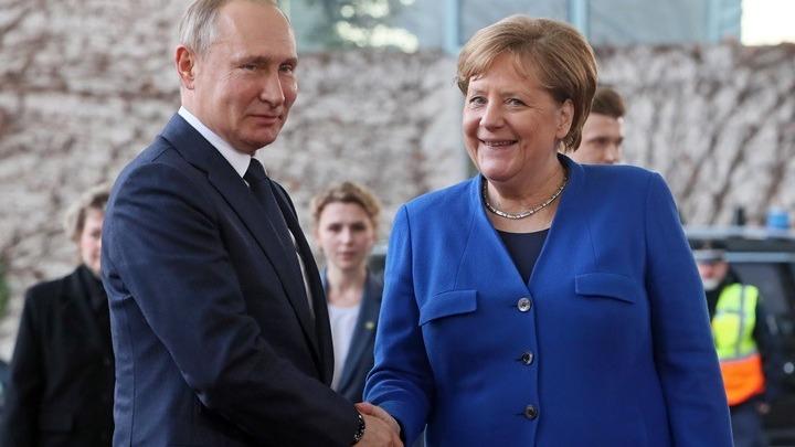 Μέρκελ και Πούτιν συζήτησαν για Ουκρανία, Ιράν και Λιβύη