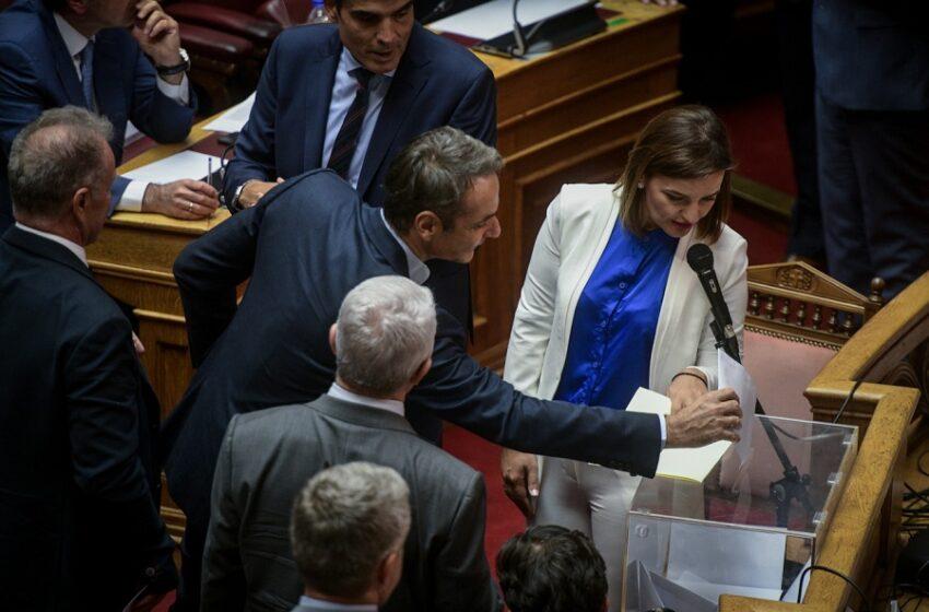 """Όλα όσα έγιναν στη Βουλή και πώς το παγκόσμιο σκάνδαλο Novartis έγινε… """"ελληνική σκευωρία"""""""