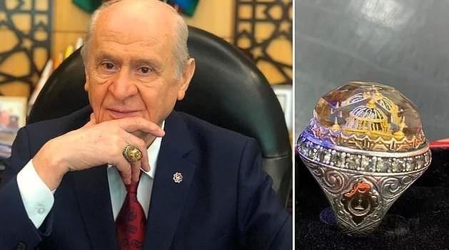 Τούρκος ακροδεξιός προκαλεί και φοράει δαχτυλίδι με την Αγία Σοφία