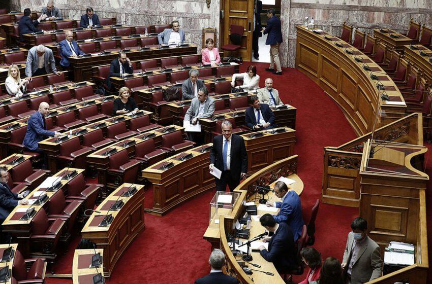 Δίωξη Παπαγγελόπουλου: Ποιοι κρύβονται πίσω από τις διαρροές στην ψηφοφορία