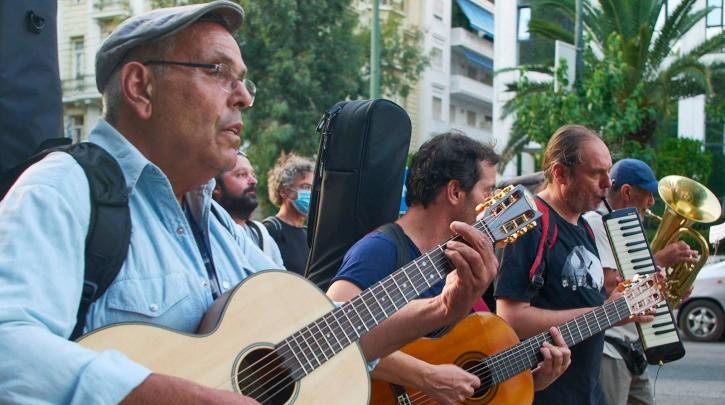 Στο Μαξίμου οι καλλιτέχνες- Διαμαρτυρία των σωματείων: Είμαστε σε απόγνωση