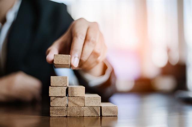 Έρευνα Ernst&Young: Ενδιαφέρον για επενδύσεις στη βιομηχανία- Θετικές προοπτικές την επόμενη τριετία