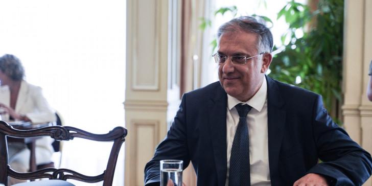 Θεοδωρικάκος: Δεν είμαστε συνεταίροι με Καλογρίτσα