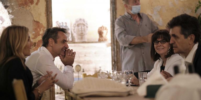Χαλαρό δείπνο για Πρόεδρο Δημοκρατίας και πρωθυπουργό σε ταβέρνα στο Μεταξουργείο