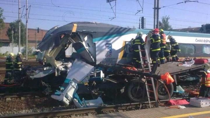 Σύγκρουση τρένων με νεκρούς και τραυματίες στην Τσεχία
