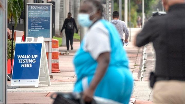 Νέο ρεκόρ θανάτων στη Φλόριντα, πάνω από 470.000 τα κρούσματα κοροναϊού