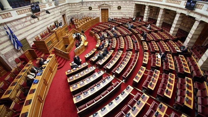 Κόντρες και ψηφοφορία στην Ολομέλεια για το ν/σ για τις συναθροίσεις