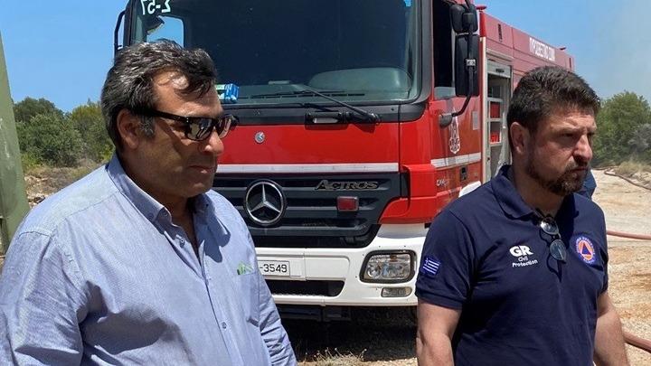 Με εντολή Χαρδαλιά και του αρχηγού της Πυροσβεστικής μεταβαίνει κλιμάκιο της Διεύθυνσης Αντιμετώπισης Εγκλημάτων Εμπρησμού στο Λαύριο