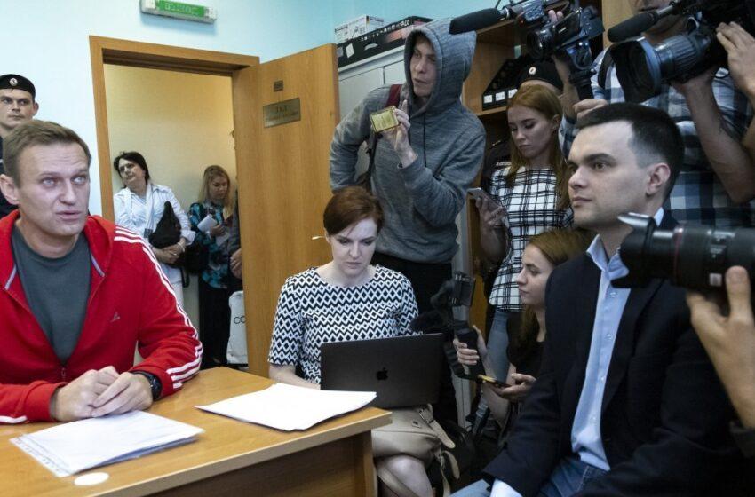 """""""Μην ανακατεύστε"""" απαντά η Ρωσία στις  εκκλήσεις  δυτικών χωρών για την αποφυλάκιση του Ναβάλνι"""