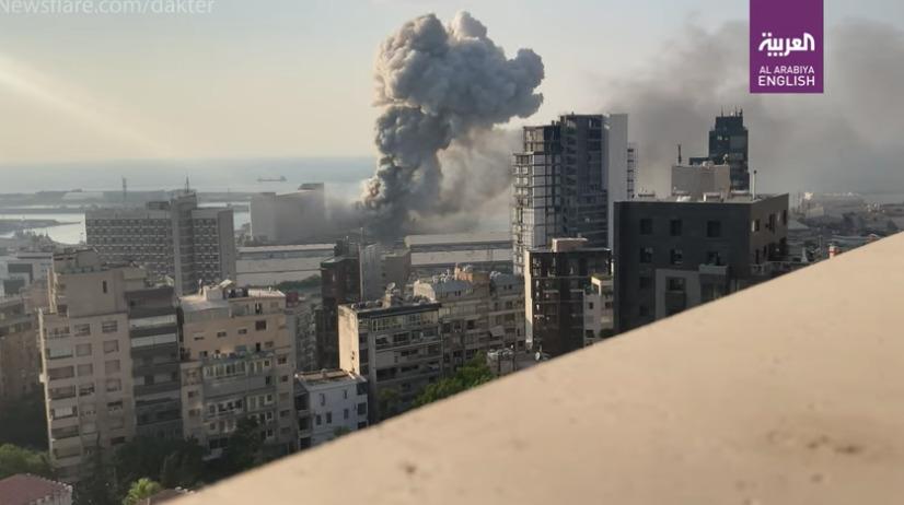 Η στιγμή της φονικής έκρηξης σε slow motion – Διαλύθηκαν τα πάντα στη Βηρυτό (vid)