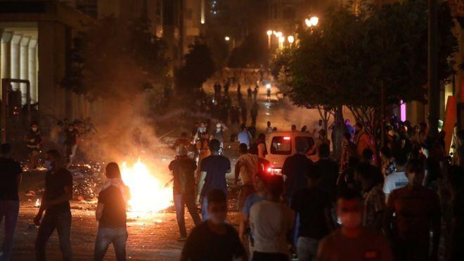Λίβανος: Νεκρός αστυνομικός στις συγκρούσεις με διαδηλωτές στη Βηρυτό
