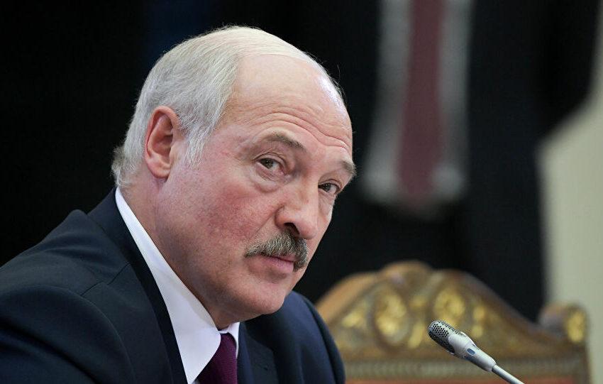 Ο Λουκασένκο διέταξε τον στρατό να υπερασπιστεί την ακεραιότητα της χώρας