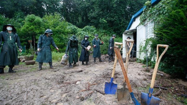 Ξεπέρασαν τους 20 οι νεκροί από τις καταρρακτώδεις βροχές στη Ν. Κορέα