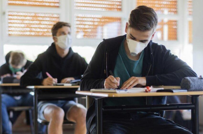 Άνοιγμα σχολείων: Οι λοιμωξιολόγοι δεν ανάβουν το «πράσινο φως» – Το ξανασκέφτονται στην κυβέρνηση