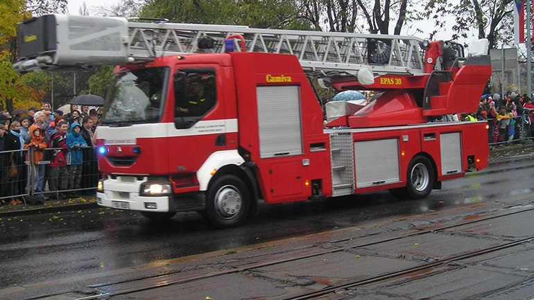 Συναγερμός για φωτιά στην Κερατέα