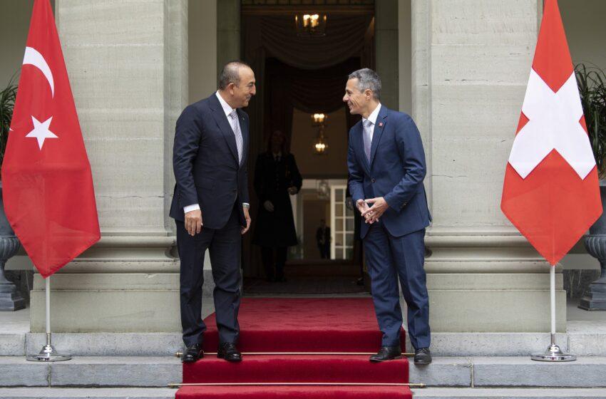 NZZ: Σε εξέλιξη (και) Ελβετική πρωτοβουλία για διαμεσολάβηση μεταξύ Ελλάδας και Τουρκίας- Συμφώνησε ο Τσαβούσογλου