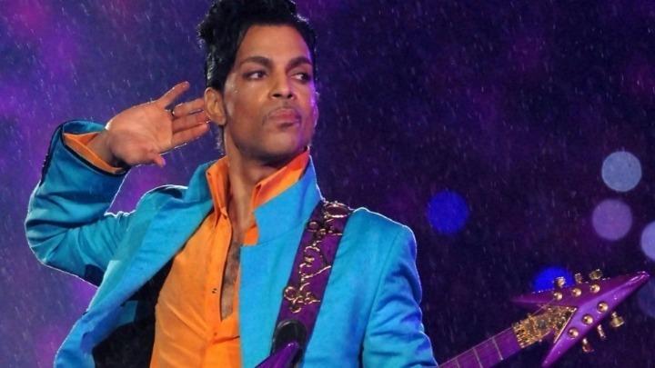 Επιτέλους πλήρες το Cosmic Day του Prince (vid)